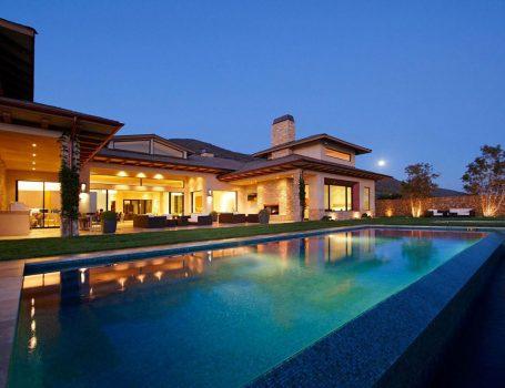 Luxury Spanish-style Hacienda in MariSol Malibu